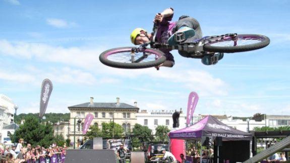 bike-stunt fe